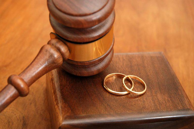 Luật sư Gia đình